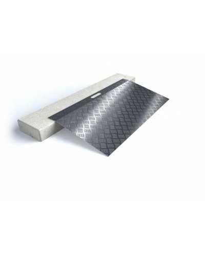 Rampe de seuil en aluminium type 2 - longueur 78 cm - hauteur de 3 à7 cm.