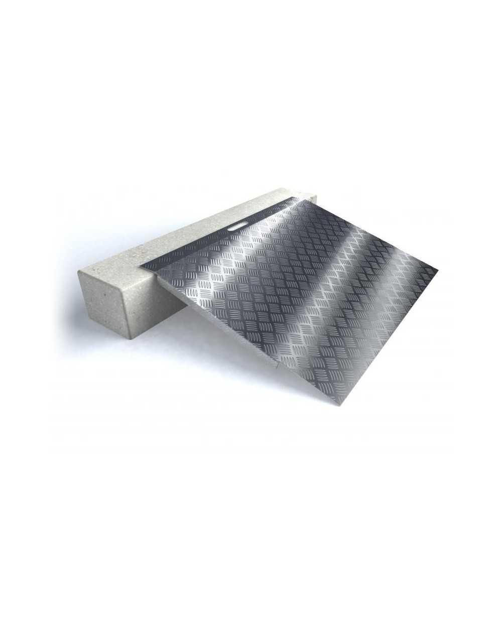 Rampe de seuil en aluminium type 3 - longueur 78 cm - hauteur de 5 à 15 cm.