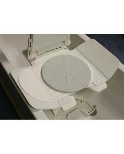 Plaque pivotante pour siège de bain.