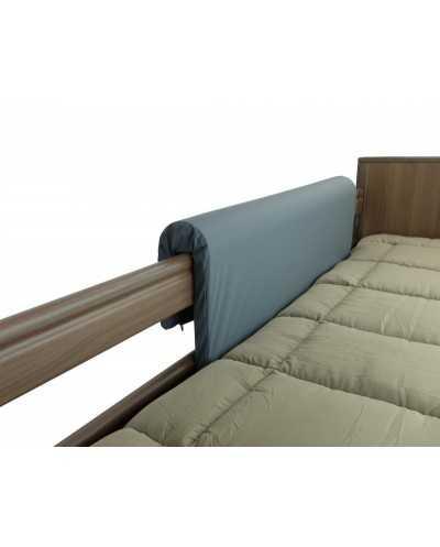 Protection en mousse formée pour barrière de lit